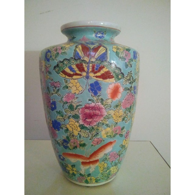 1920s 1920's Vintage Chinese Turquoise Famille Rose Vase For Sale - Image 5 of 7