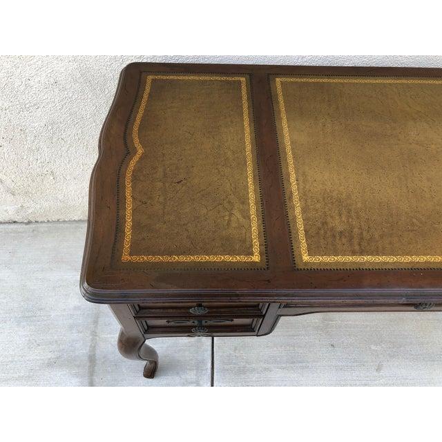 Original Vintage Sligh Furniture Leather Top Writing Desk For Sale - Image 10 of 13
