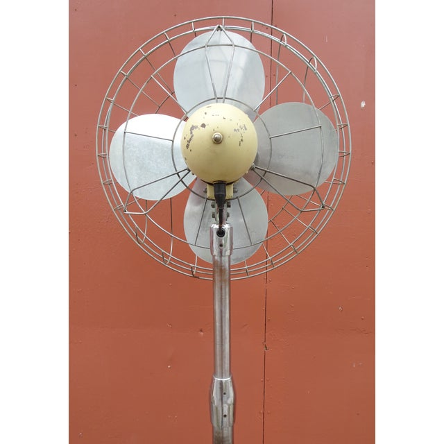 Hunter Zephair 2430 Bullet Back Industrial Pedestal Floor Fan For Sale - Image 4 of 13