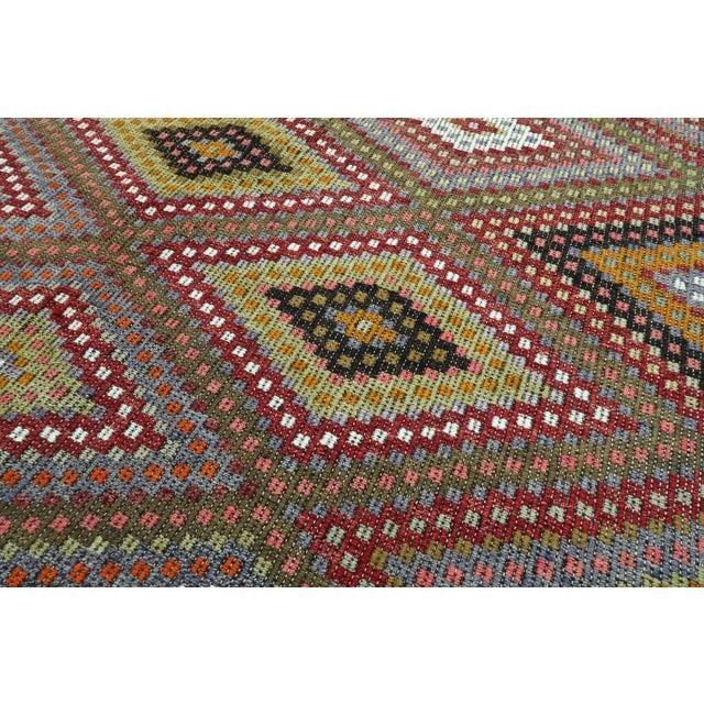 "Gray Vintage Turkish Kilim Embroidered Rug-5'10'x11'3"" For Sale - Image 8 of 13"
