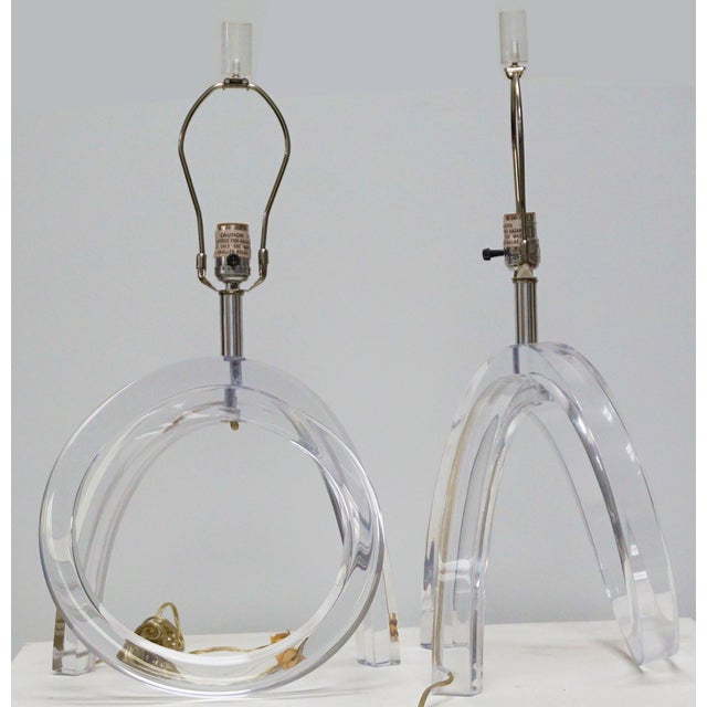 1960s Dorothy Thorpe Lucite Pretzel Lamps - A Pair For Sale - Image 5 of 8