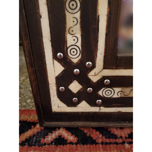 2010s Medium Size Moroccan Rectangular Resin Inlay Mirror For Sale - Image 5 of 7