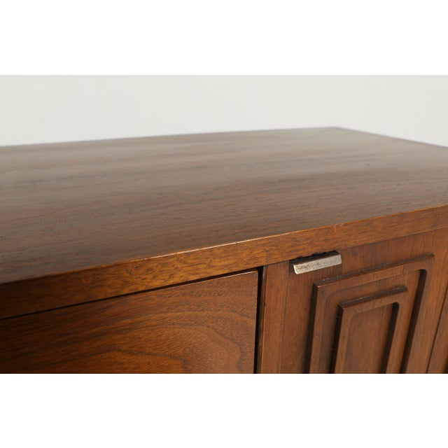 Sculpting 1960s Mid-Century Modern Broyhill Sculptra Credenza For Sale - Image 7 of 10
