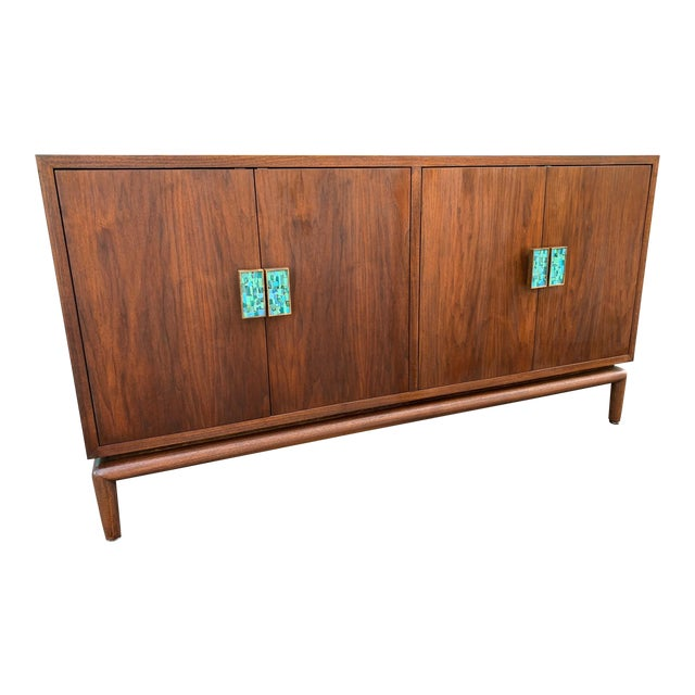 Mid-Century Modern Credenza Chest by Monteverdi Young For Sale In Los Angeles - Image 6 of 6
