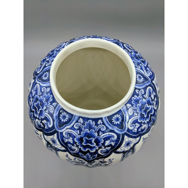 Large 20th Century Italian Blue & White Ardalt Delphia Ginger Jar For Sale In Houston - Image 6 of 8