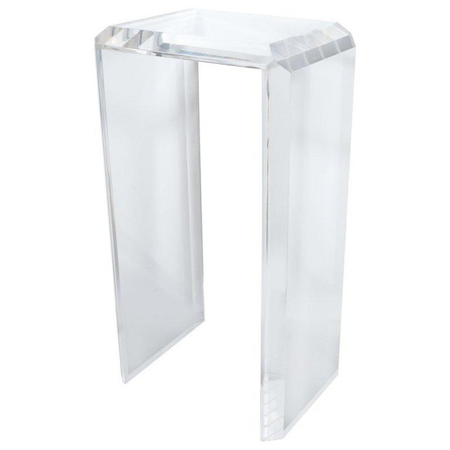 Lucite Mid-Century Modern Translucent Lucite Rectilinear Bevelled Waterfall Pedestal For Sale - Image 7 of 7