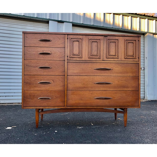 Mid Century Broyhill Sculptra Magna Chest For Sale - Image 13 of 13