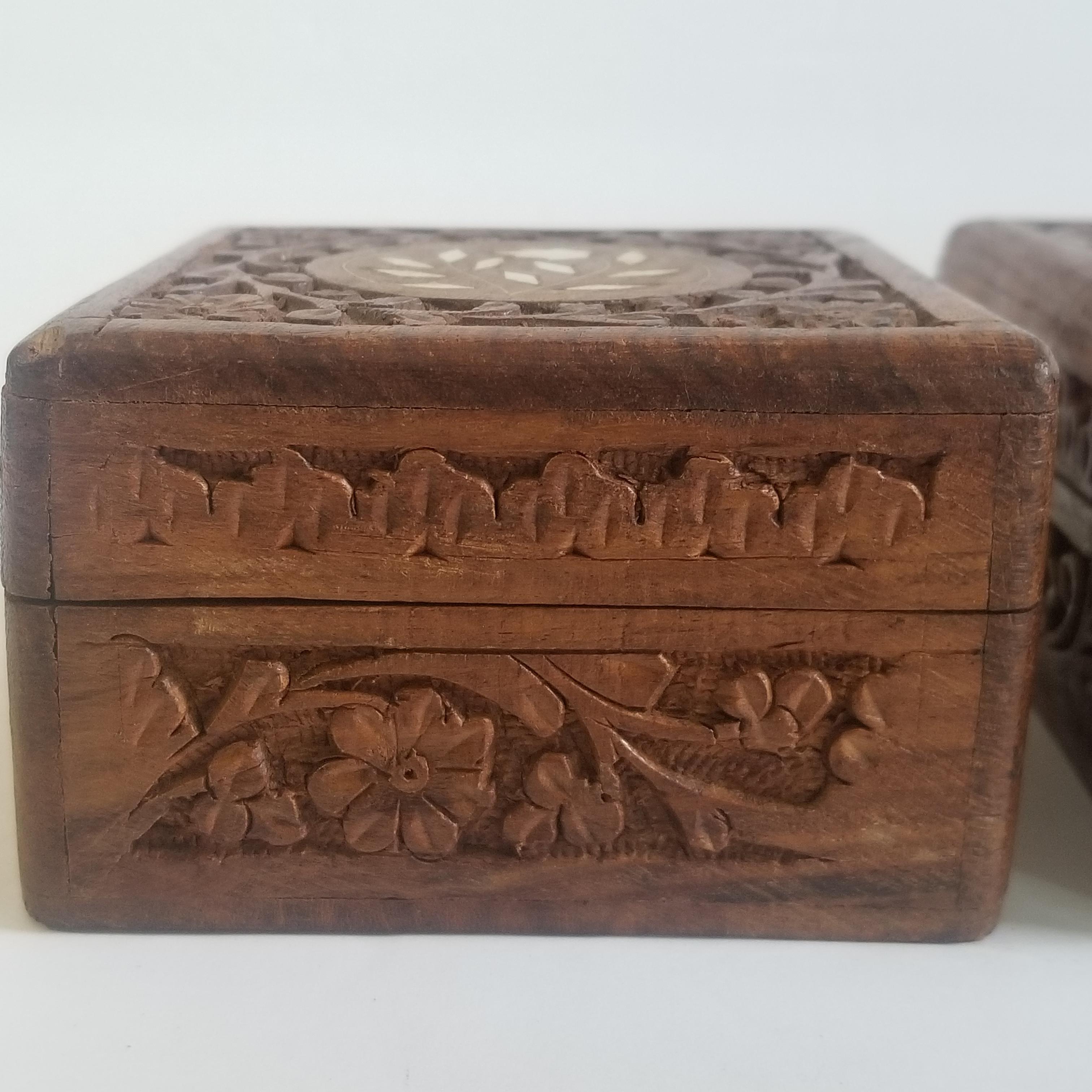 Trinket Box 1970/'s   B01-3-18 Vintage Wood Inlay Floral Pattern Wood Jewelry 9.6