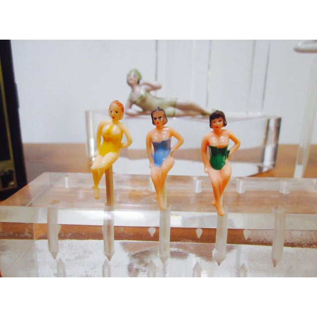 Bathing Beauty Pin Up Girl Figures - Set 3 For Sale In Palm Springs - Image 6 of 7