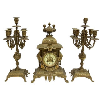 Late 19th Century Vintage French Japy Freres Gilt Lions Head Mantel Clock & Candelabra Garniture 3 Piece Set! For Sale