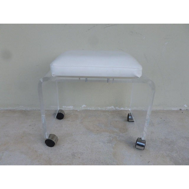 Mid-Century Modern Vintage Mod Lucite Waterfall Bench For Sale - Image 3 of 4