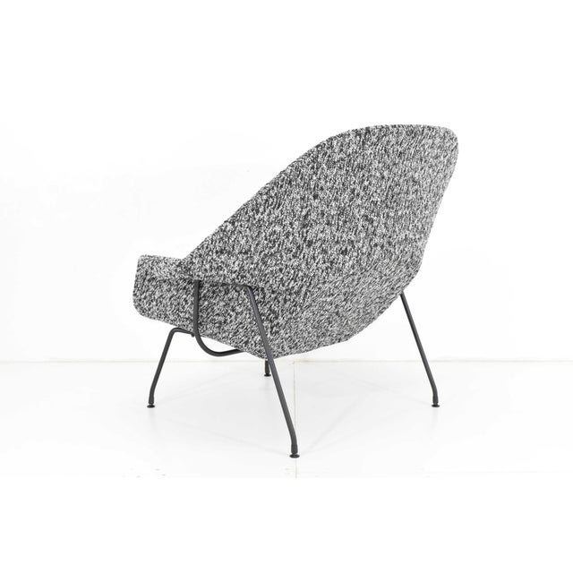 Eero Saarinen for Knoll Womb Chair and Ottoman For Sale In Dallas - Image 6 of 12