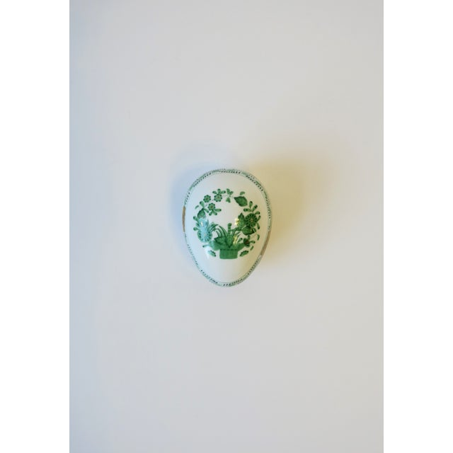 Modern Herend White Green Gold Porcelain Egg-Shaped Jewelry Box For Sale - Image 3 of 13