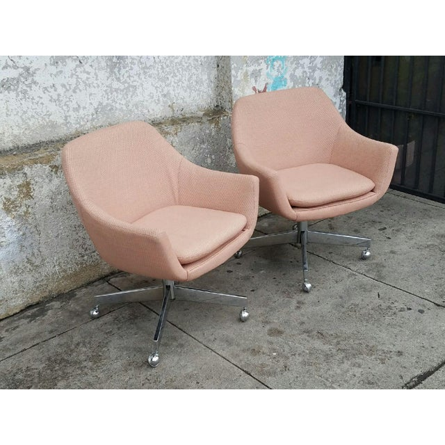 Vintage Mid-Century Pastel Pink Executive Office Chair - Image 3 of 4