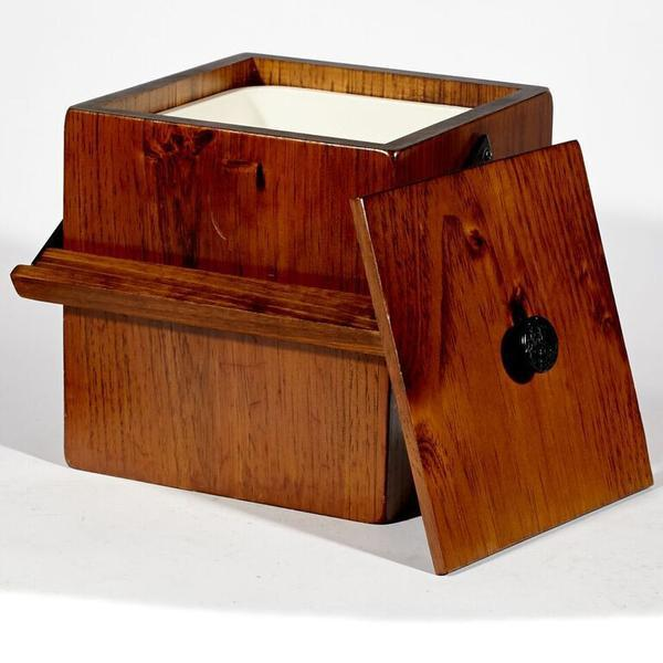 Wooden Ice Box With Handle   Image 3 Of 4