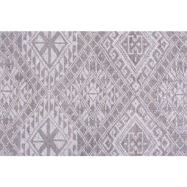 Stark Studio Rugs Stark Studio Rugs Contemporary Piper Silver Wool Rug - 9′ × 12′ For Sale - Image 4 of 4