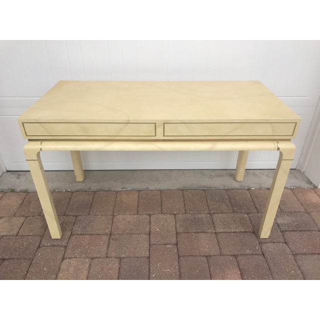 Vintage Hollywood Regency Faux Goatskin or Parchment Finish Desk With Brass Details For Sale In Orlando - Image 6 of 8