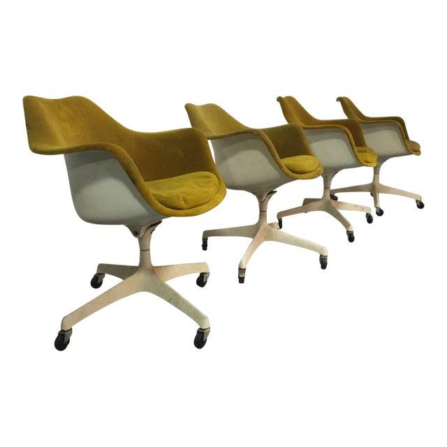 Eero Saarinen for Knoll Rare Swivel Arm Chairs - Set of 4 For Sale