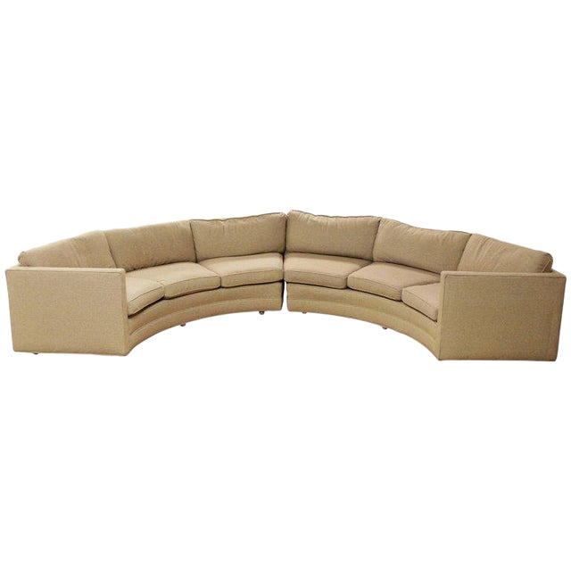 Mid-Century Modern Milo Baughman Beige Curved 2-Piece Sectional Sofa, 1970s For Sale