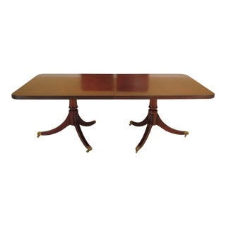 1970s English Traditional Mahogany Banded Top Banquet Dining Room Table For Sale