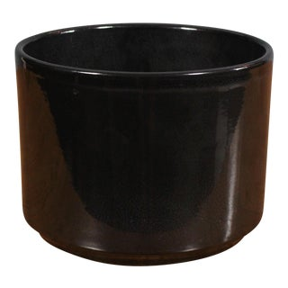 "Small 8"" Gainey Ceramics by La Verne California Glossy Black Architectural Planter For Sale"