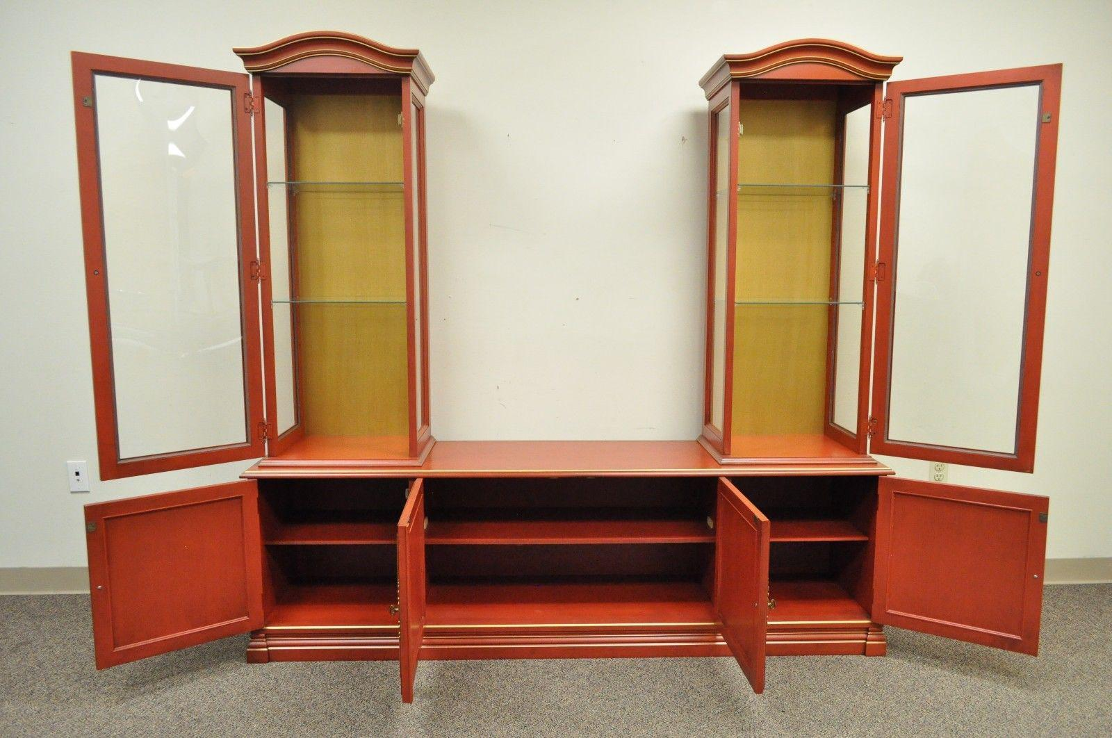 Asian Vintage Jasper Oriental Chinoiserie Red Display China Cabinet Curio  Credenza For Sale   Image 3