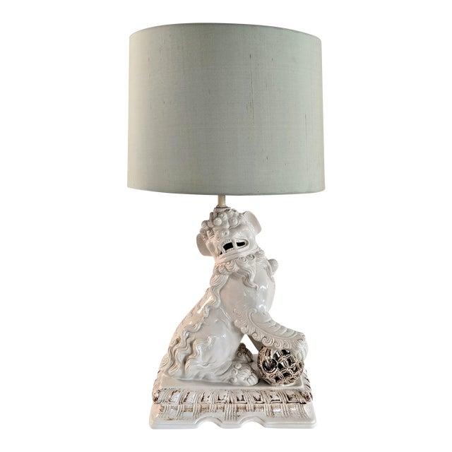 Asian Ceramic Foo Dog Table Lamp For Sale
