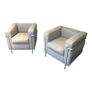 Modern Cassina Le Corbusier Pierre Jeanneret Charlotte Perriand Lc2 - A Pair For Sale