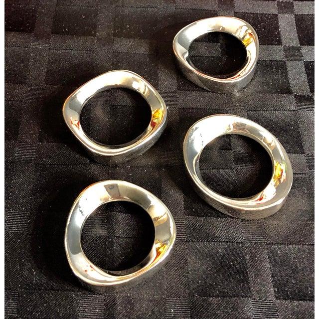 Set of 4 Silver Plate Modernist Sculptural Napkin Rings Vintage For Sale - Image 4 of 10