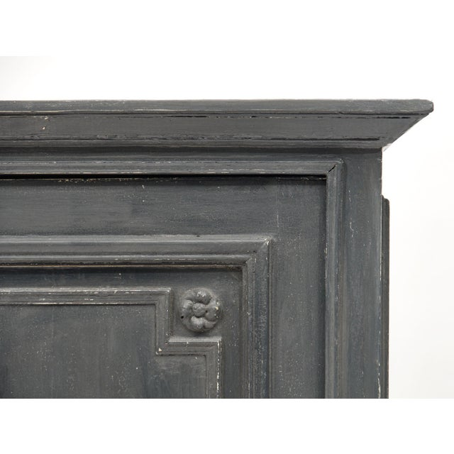 French Louis XIV Style Gray Painted Bonnetiere For Sale - Image 3 of 11