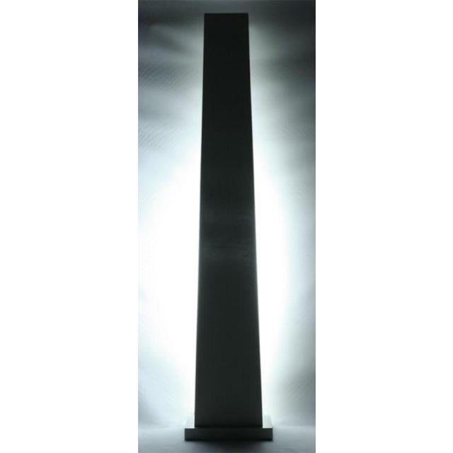 Contemporary Ivory Lacquered Backlit Obelisk Pedestal For Sale - Image 3 of 4