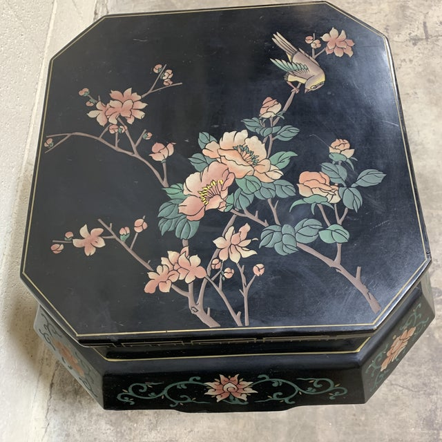 20th Century Chinese Black Lacquer Side Table Stools For Sale In Richmond - Image 6 of 12