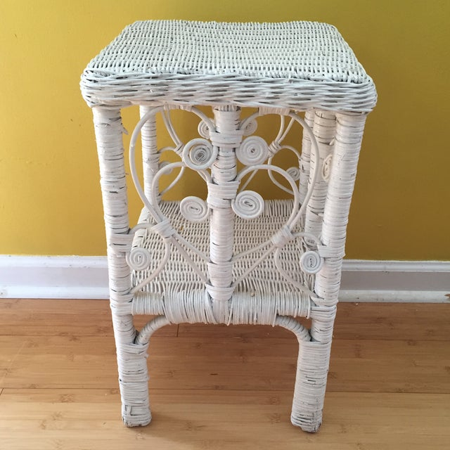 White Wicker Scrolling Detail Side Table - Image 5 of 6