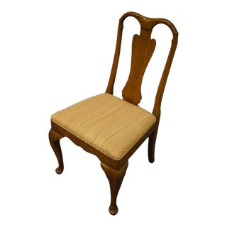 Antique Davis Cabinet Co. Walnut Traditional Style Splat Back Dining Side Chair For Sale