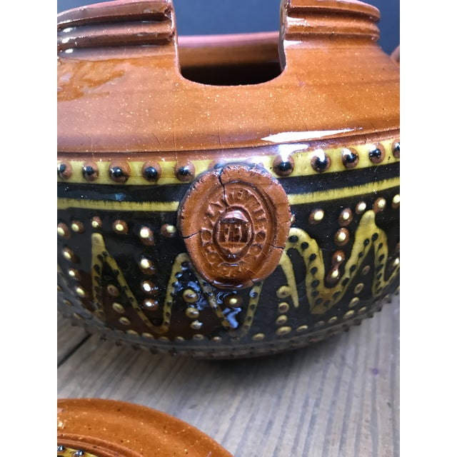 Late 20th Century Fey Pottery Platteville Colorado Red Terra Cotta Clay Patterned Serving Bowl With Lid For Sale - Image 5 of 8