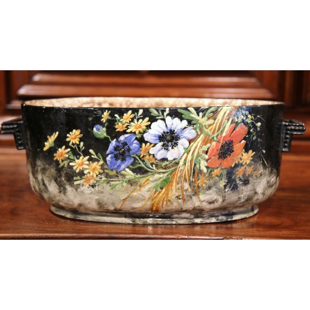 Early 20th Century French Handpainted Jardiniere from Montigny sur Loing For Sale - Image 4 of 9