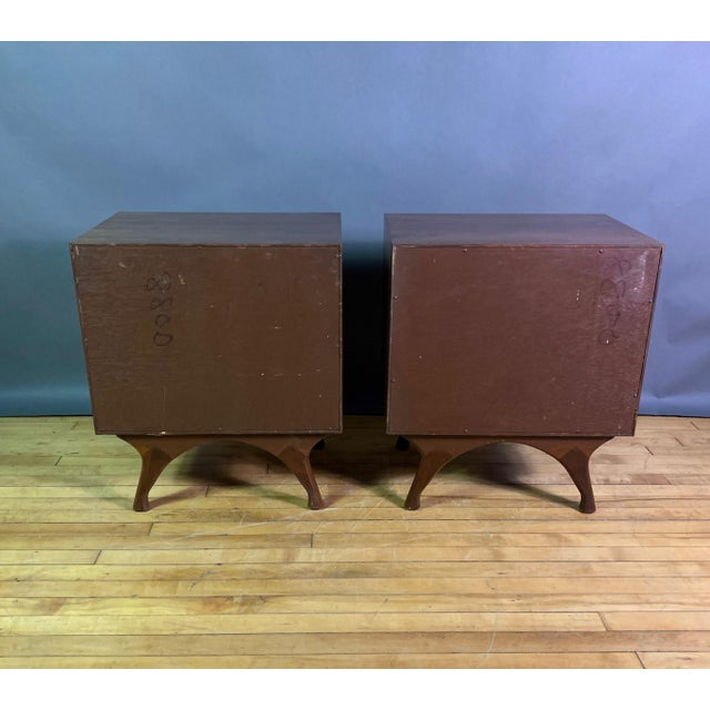 Walnut 1960s American Modern Walnut and Brass Nightstands For Sale - Image 7 of 10