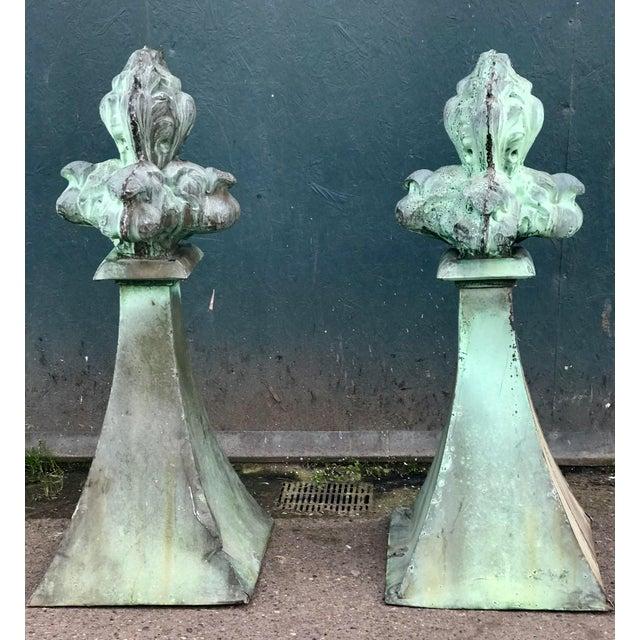 Blue French fleur-de-lis Finials For Sale - Image 8 of 8