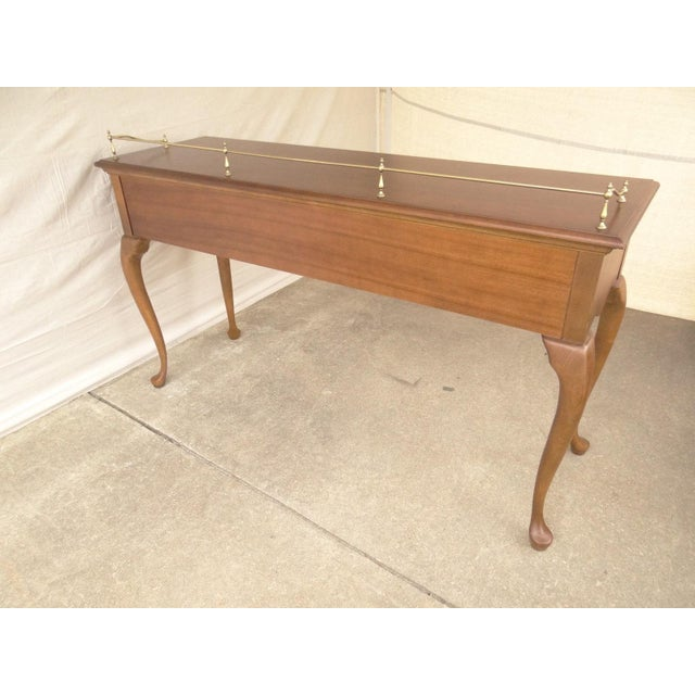 American Drew Cherry Queen Anne Sofa Hall Foyer Table Console For Sale - Image 10 of 11