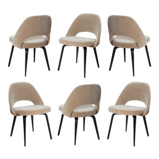 Saarinen Executive Armless Chairs in Mohair With Walnut Legs by Eero Saarinen for Knoll- Set of 6 For Sale