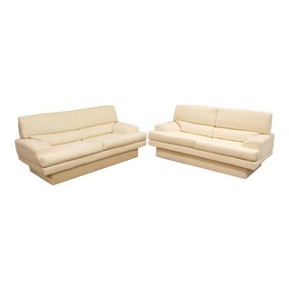 Mid Century Modern Milo Baughman Thayer Coggin Short White Sofas 1970s - a Pair For Sale