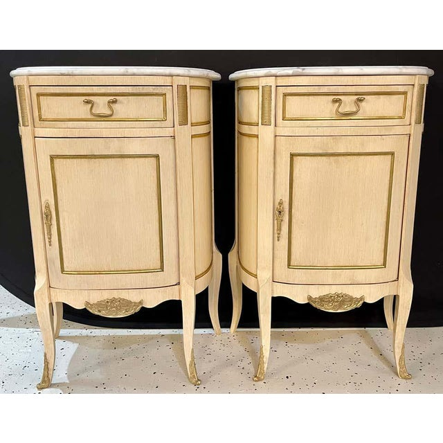 Hollywood Regency Hollywood Regency Painted End Tables, Nightstands or Pedestals, a Pair For Sale - Image 3 of 13