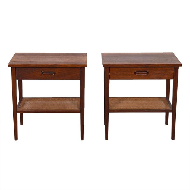 MCM Walnut Gentleman's Chest / Dresser With Graduated Drawers For Sale - Image 10 of 12