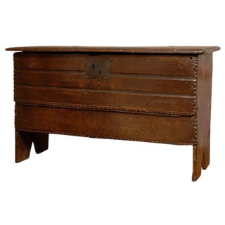 English Georgian Carved Oak Coffer with Simple Shape from the Early 18th Century