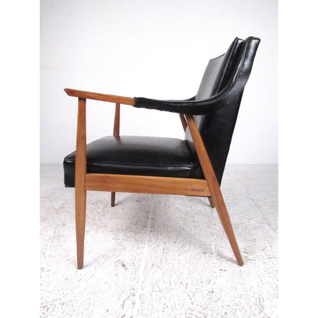 Mid-Century Modern Pair of Vintage Modern Armchairs For Sale - Image 3 of 13