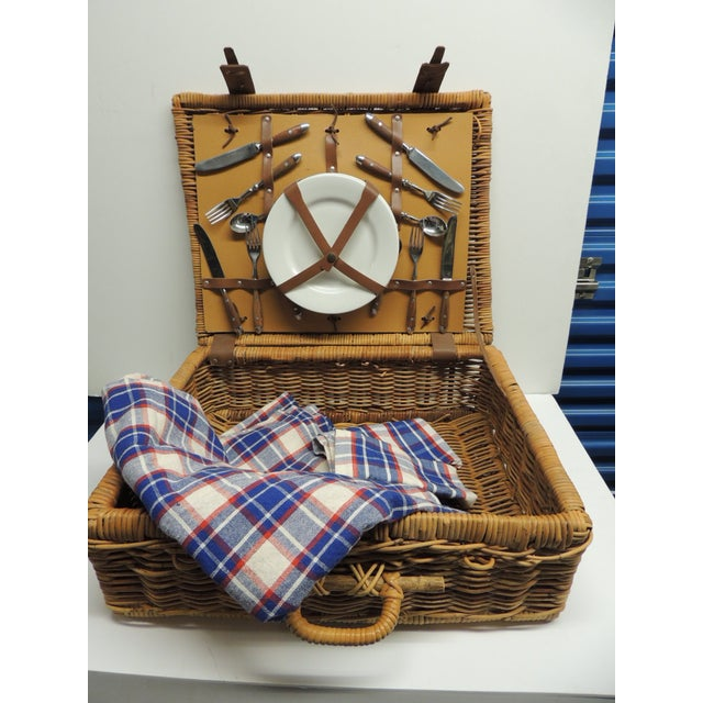 Vintage Picnic Wicker Basket with Blanket and Serving Set - Image 5 of 5