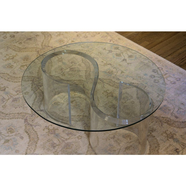 Mid-Century Modern Mid-Century Modern Lucite & Glass Coffee Table For Sale - Image 3 of 4