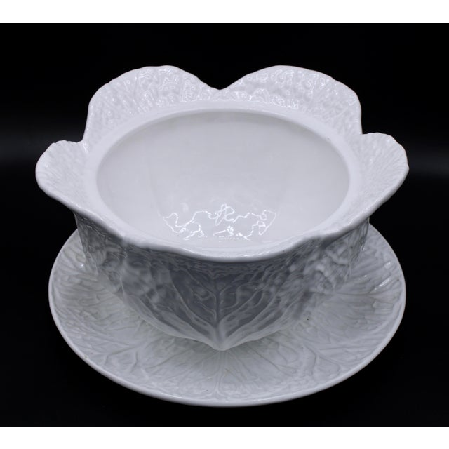 1940s Mid-20th Century White Cabbage Pottery Tureen and Plate Set For Sale - Image 5 of 13