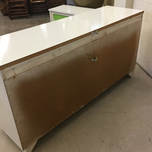 Mid Century Lime Green & White 9 Drawer Dresser For Sale In Richmond - Image 6 of 13