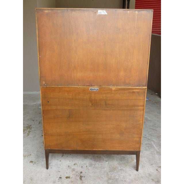 Glass 1950's Vintage Planner Group Paul McCobb Restored 2 Tier Cabinet For Sale - Image 7 of 9